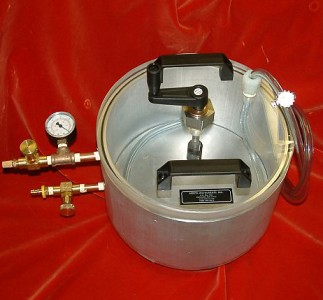 Small vacuum mixing and infusing chamber