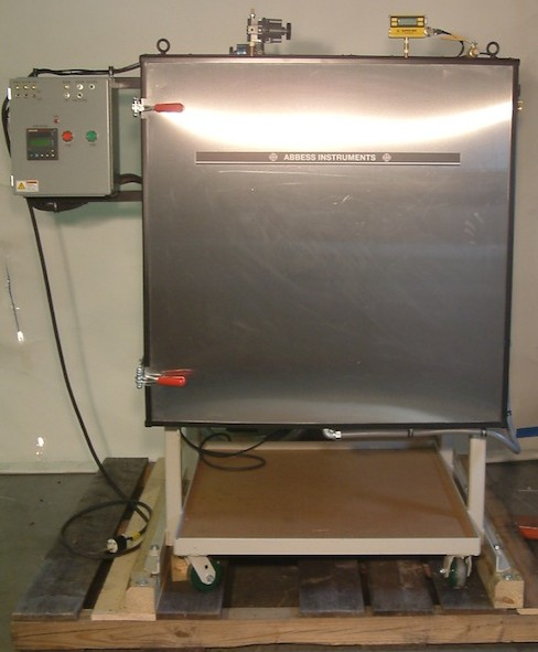 A basic Vacuum Oven System with a digital VCC.