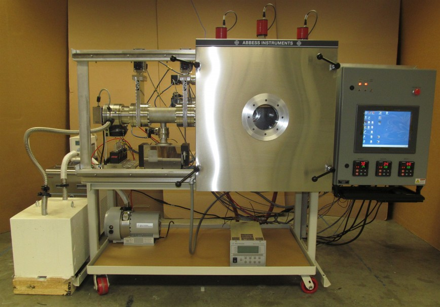 Custom thermal vacuum chamber with sliding door